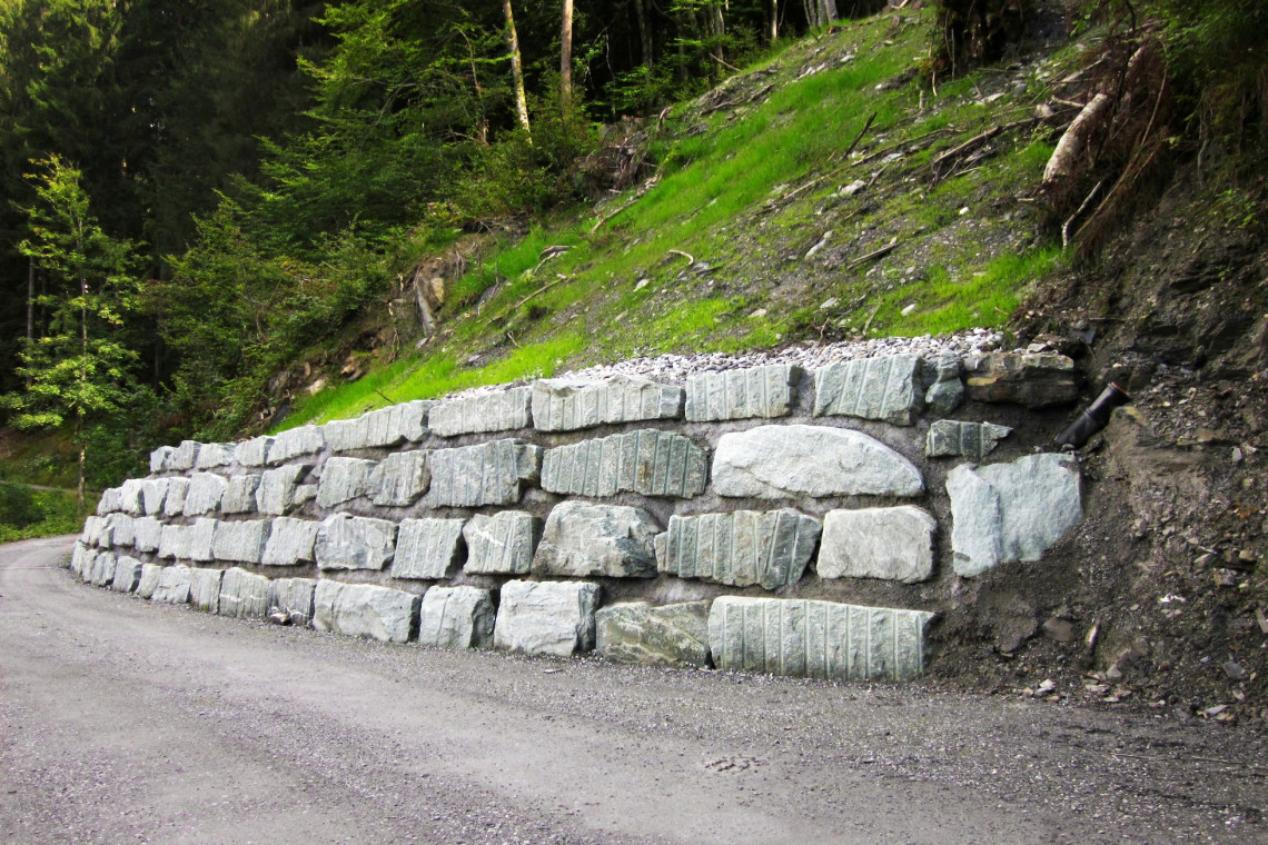 Blocksteinmauer01